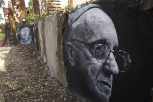 The Pope is visiting Philadelphia for the World Conference of Families. photo credit: thierry Ehrmann le 112 ème est Jorge Mario Bergoglio (Pope Francis), painted portrait DDC_7831 via photopin (license)