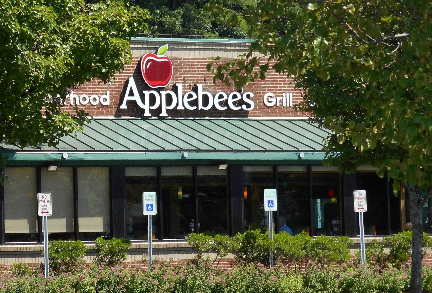 Owner of Four Applebee's Restaurants in Chester County Wins Statewide Award