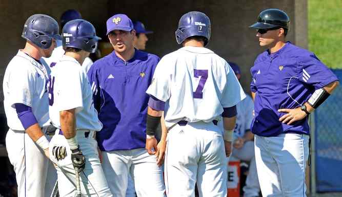 Winner of Two National Titles, WCU Baseball Coach Discusses Recruiting with USA Today