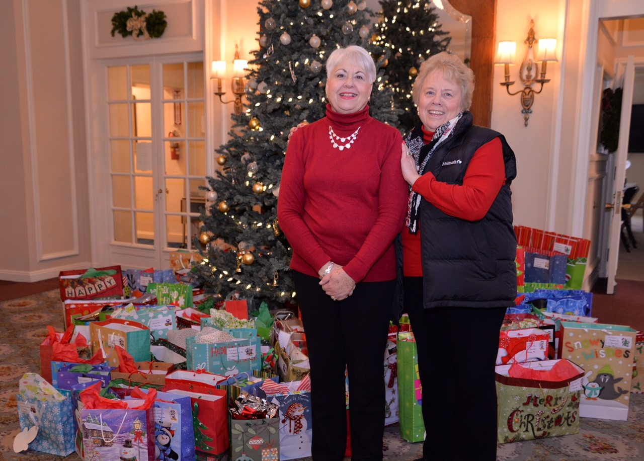 Malvern Federal Savings Bank Makes the Holidays Happy for Melmark Residents
