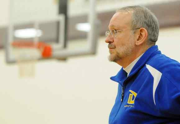 Downingtown's Bob Schnure One of Four High School Legends Feted by Coaches vs. Cancer
