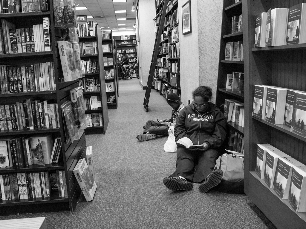 Retail, Marketing Experts Discuss the Demise of Barnes and Noble