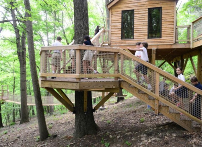 West Chester-Based Contractor Builds Treehouse Classroom for Private School in Pittsburgh