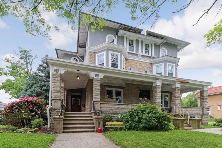 DNB First House of the Week: Twin Villa in Phoenixville