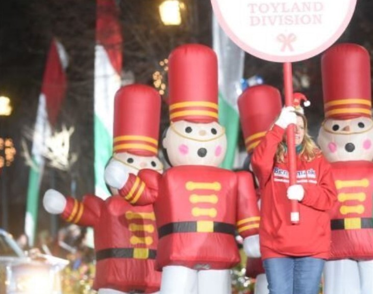 Benchmark FCU Donates $1,000 Worth of Toys While Sponsoring QVC West Chester Christmas Parade