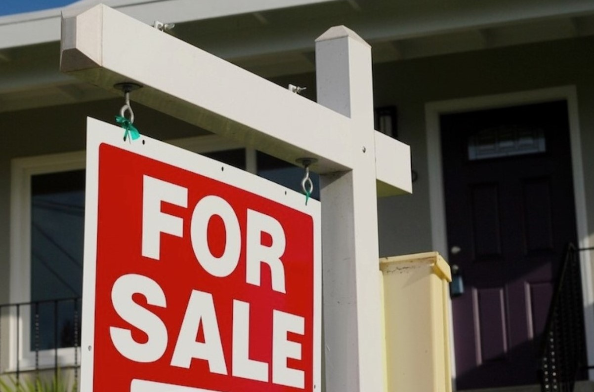 heres what experts are saying the new year will bring in the housing market