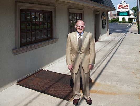 Second-Generation Owner of Iconic Restaurant Dies at 77