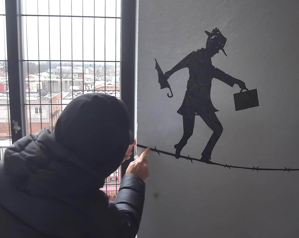 Work of Mysterious Street Artist Entertains Chester County Commuters