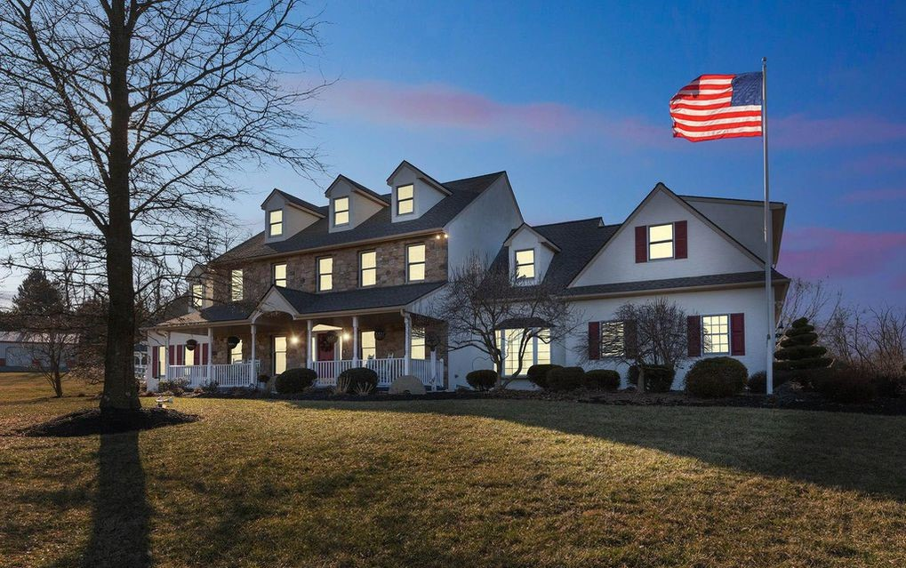 DNB First House of the Week: Expansive Colonial with Wooded Backdrop in Lincoln University