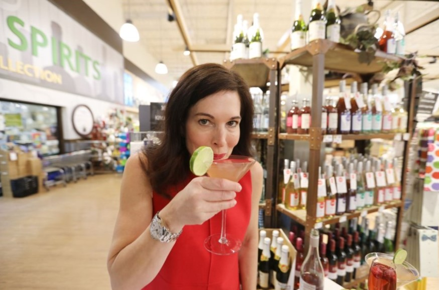 With Nonalcoholic Drinks Lacking at Corporate Events, Berwyn Woman Quits Job to Build Mocktail Empire