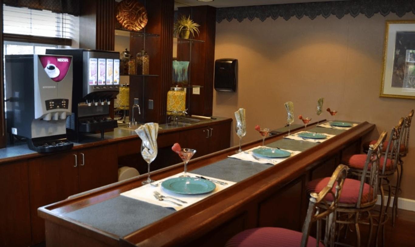 Tour Exton Senior Living's Award-Winning Community and Enjoy a Free Happy Hour