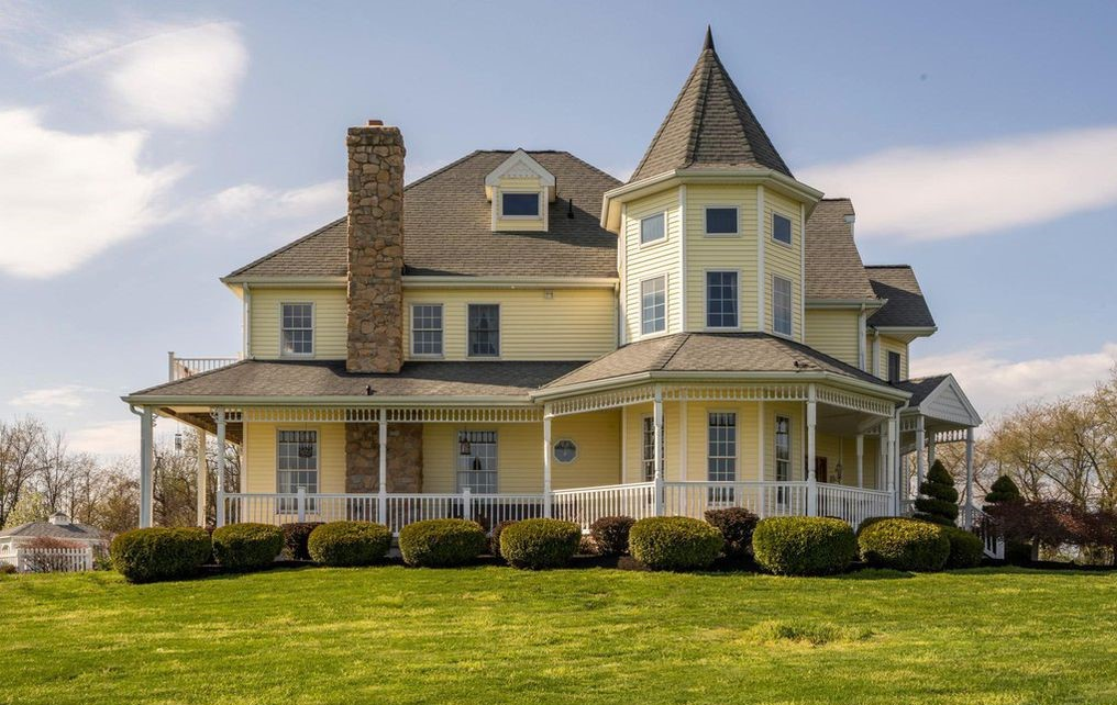 DNB First House of the Week: Custom-Built Victorian with Heavenly Views in Spring City