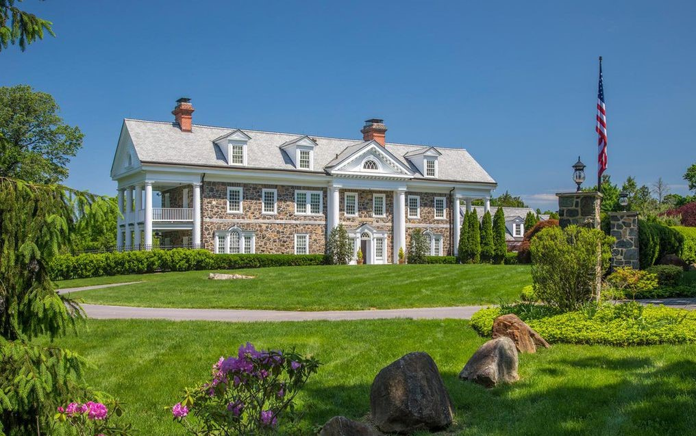 DNB First House of the Week: Turn-of-the-Century Colonial in Devon
