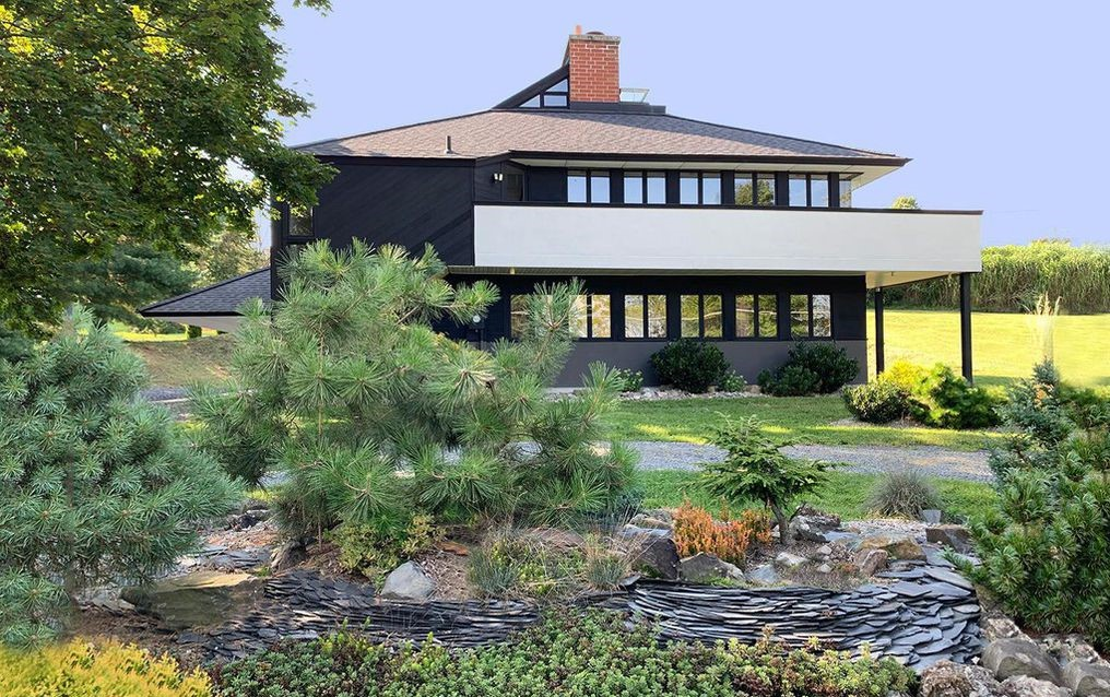 DNB First House of the Week: Paradigm of Living Architecture in Elverson