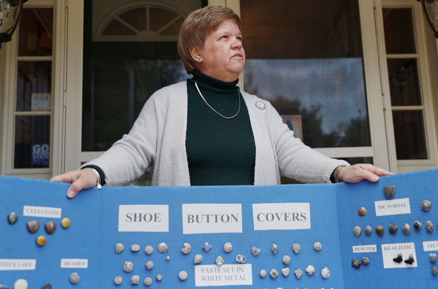 Spring City Woman Presides Over the 73-Year-Old Pennsylvania State Button Society