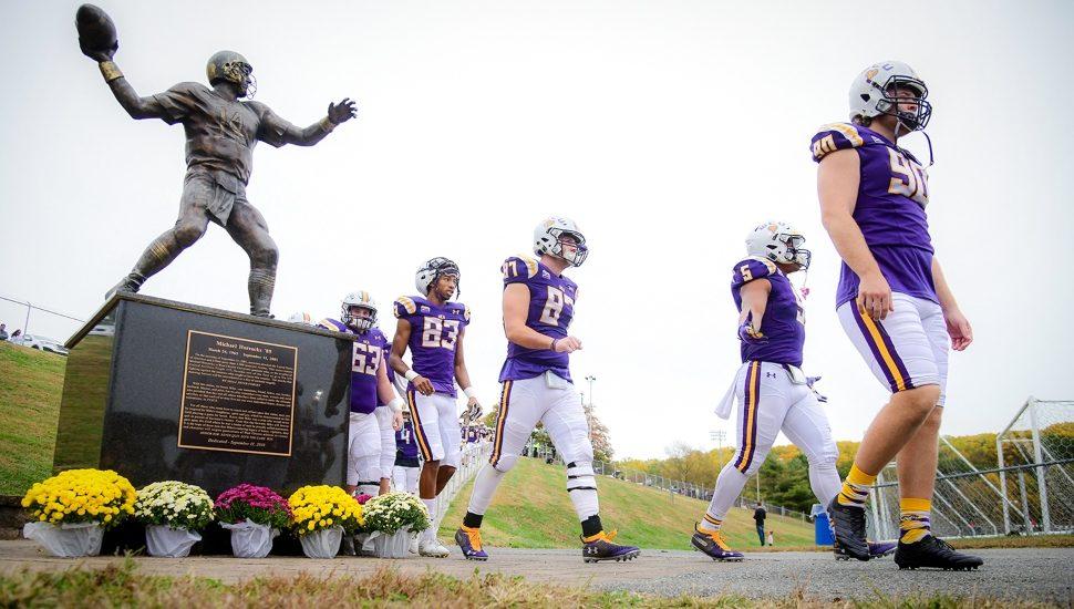 football statue